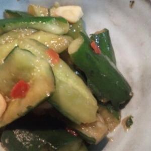 ピリ辛キュウリの中華風漬け物