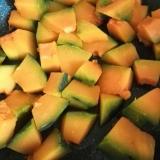 水で煮るだけ♪かぼちゃの煮物♪