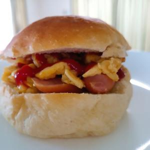 卵とウインナーのサンドパン