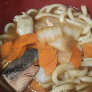 体ポカポカ!鮭と野菜の味噌うどん