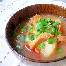 干し鱈とじゃが芋のピリ辛味噌スープ