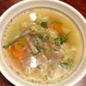 【にんにくコンソメスープ】野菜たっぷり♪