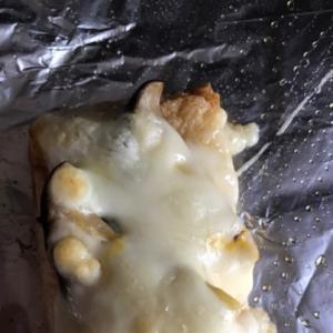 エリンギのマヨ和えのせ油揚げチーズ焼き