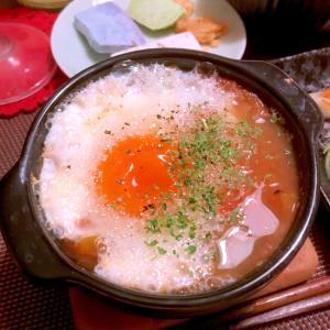 トマトとセロリ葉の落とし卵スープ