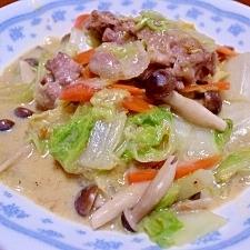 白菜と豚肉の豆乳味噌煮