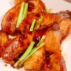 漬け込んで美味しい♪ブリの照り焼きとカブの照り焼き