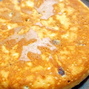甘納豆の黒糖パンケーキ