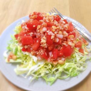 トマトと茹で大豆のピリ辛キャベツサラダ♪
