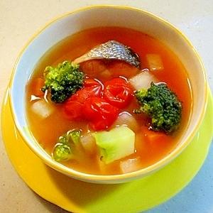 美肌になる!野菜と鮭のスープです!