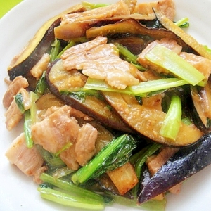 茄子と豚バラ小松菜の七味味噌炒め