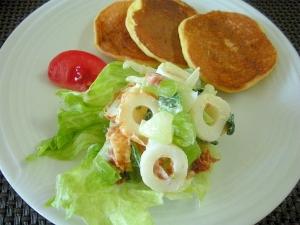 ちくわとチンゲン菜の梅マヨサラダ&大豆粉パンケーキ