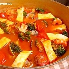 シーフードの旨みたっぷり♪トマト鍋