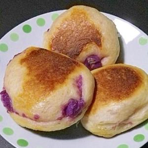 フライパンで焼く紫芋のパン