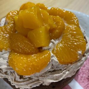みかんと黄桃のチョコレートケーキ
