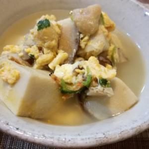常備の乾物でさっと一品♪高野豆腐と麩の卵とじ