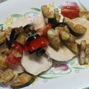 鶏ハムの夏野菜ソースかけ