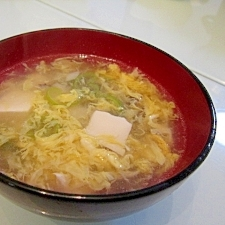 舞茸と豆腐のかき卵汁