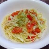 トマトとレタスの冷製ペペロンチーノ