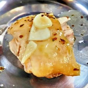 アウトドア飯 簡単!鶏モモハーブ塩のホイル焼き