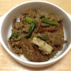 圧力鍋で豚肉と牛蒡のごま味噌煮