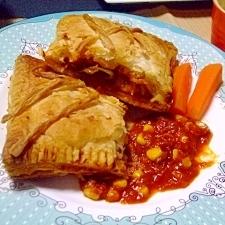 チキンのトマト煮のパイ包みёコーン&里芋入り