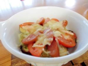 ナスとトマトのピリ辛バジルマヨ焼き
