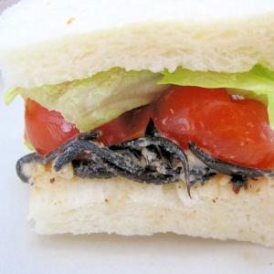 栄養満点ひじきのサンドイッチ