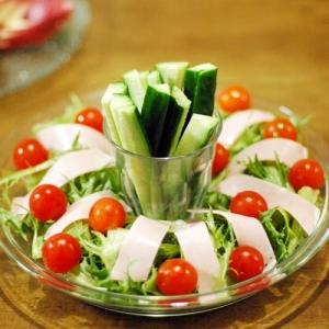 ハムとレタスのリースサラダ