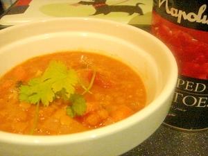 レンズ豆とにんじんのココナッツカレー。