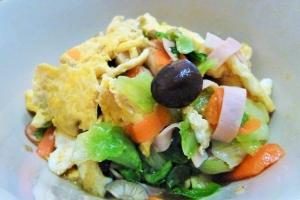 簡単、栄養バランス満点 レタスとたまごの炒め物