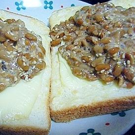 なめ茸納豆&チーズのせトースト