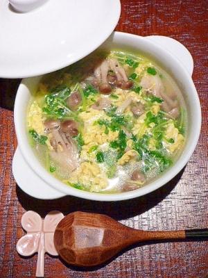 ウエイパーで簡単!しめじと豆苗たっぷり☆卵スープ