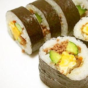 きんぴらと、そぼろの巻き寿司♪