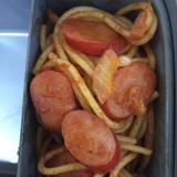 赤ウインナーと玉葱のナポリタン(^ ^)✨
