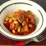 豆屋おすすめ!大豆と鶏もも肉のトマト煮