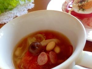 簡単!圧力鍋5分でキャベツとトマトのビーンズスープ