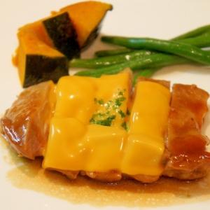 照り焼きチキン☆とろけるチーズをのせて