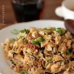 ひじき煮リメイク!栄養満点ピリ辛チャーハン