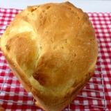 HBで!パルメザンチーズ入りの食パン☆彡