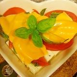 豆腐とトマトバジルのチーズ焼き