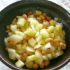 セロリと大豆のサラダ