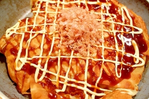 ワンタンの皮&モチチーズでパリパリとろりお好み焼き