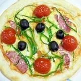 トマトピューレで作る、簡単ピザ♪