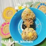 【おにぎり】玄米+鮭+炒り卵のふわふわおにぎり