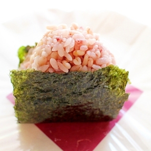 【簡単】貝柱マヨネーズの雑穀米のおにぎり