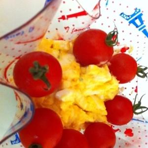 簡単★卵とトマトサラダ