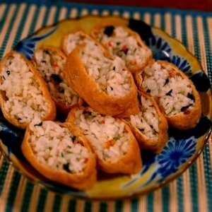 ふわじゅわ~、おばあちゃんのいなり寿司