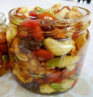 美容と健康にナッツの蜂蜜漬け 簡単ハニーナッツ