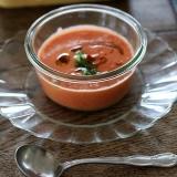 ブレンダーで、トマトの冷製スープ ガスパチョ