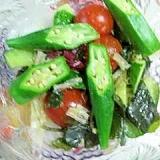 ミックス海藻と野菜のサラダ